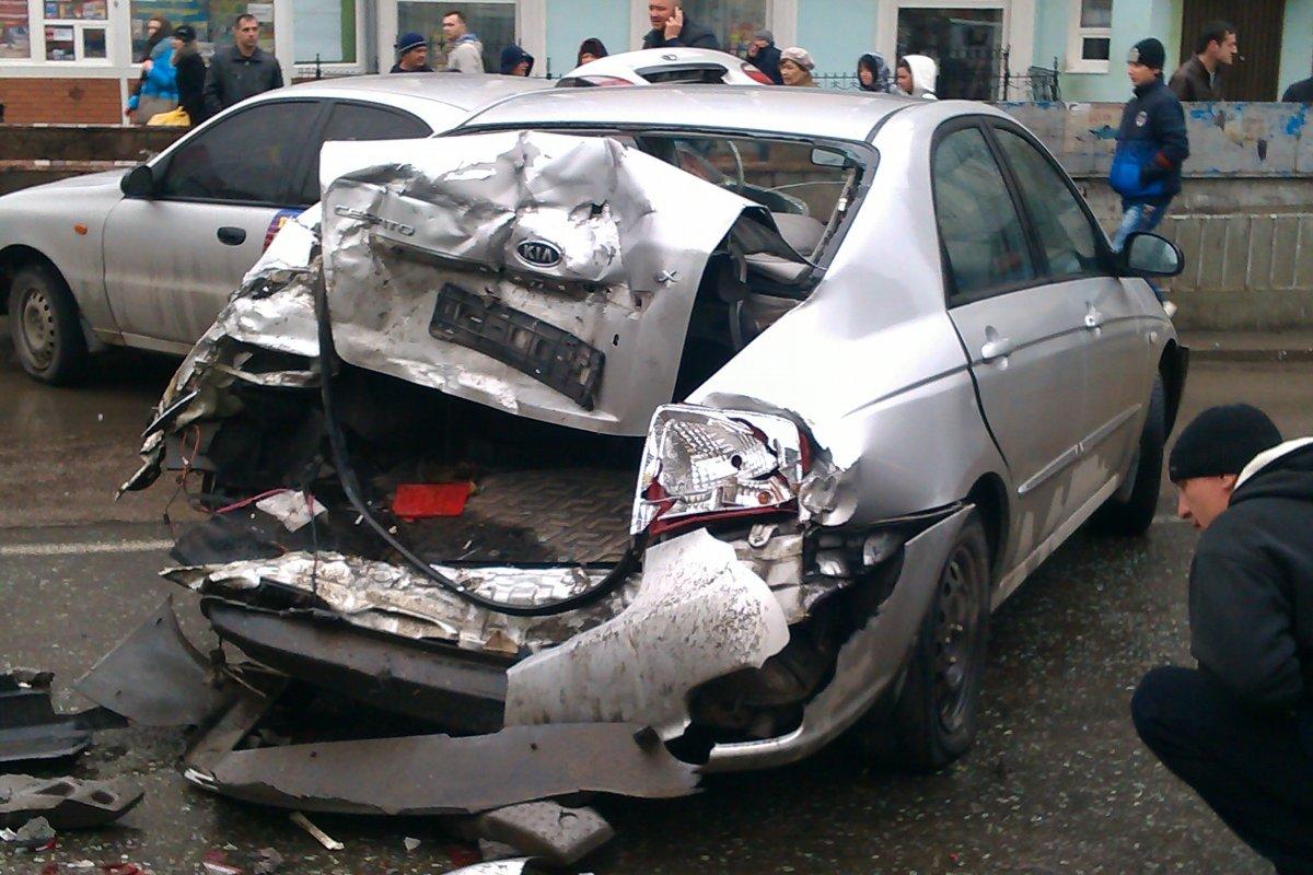 ДТП дня в Луганске: из-за автомобильной аварии остановили движение в центре(дополнено) ФОТО