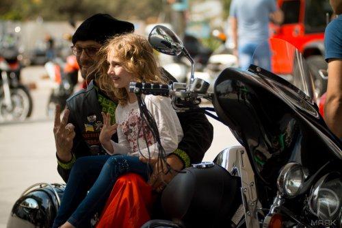В Одессе проходит первый пляжный байкерский фестиваль