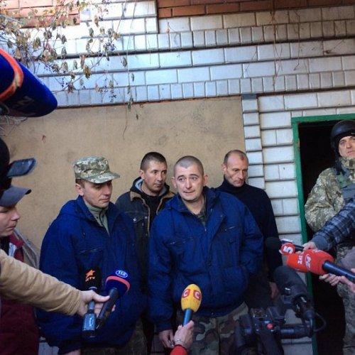 Освобождение украинских заложников (фото)