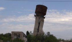 В Попасной взорвали водонапорную башню (фото)
