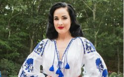 Дита фон Тиз примерила вышиванку от украинского дизайнера