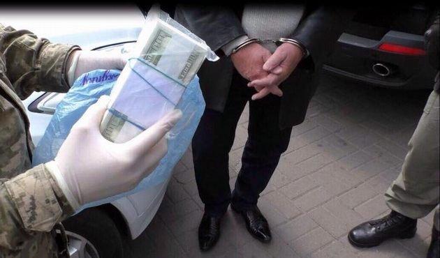 ВКиеве словили правонарушителей, вымогавших $1,3 млн «для Луценко»