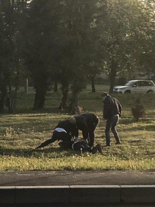 В Киеве задержали двух таможенников за систематическое взяточничество