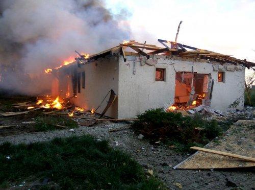 Последствия обстрела Широкино и Бердянского (фото)
