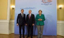 Встреча Меркель, Макрона и Путина: опять говорили о прекращении огня на Донбассе