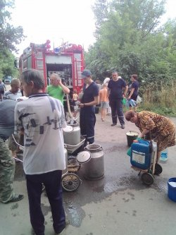Сотрудники ГСЧС будут оказывать помощь Лисичанску до восстановления централизованного водоснабжения