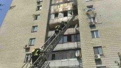 В Киеве из-за пожара в многоэтажке люди выбрасывались из окон. Есть жертвы