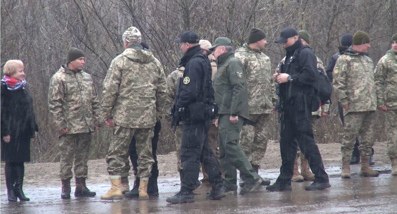 НаДонбассе открыли отремонтированный мост через Северский Донец— Порошенко непригласили
