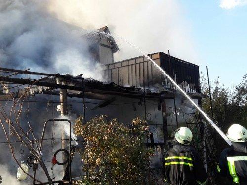 В Северодонецке из-за короткого замыкания электросети горела дача