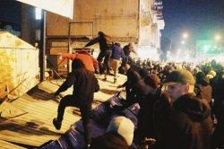 В столице «Нацкорпус» разгромил стройку на месте Сенного рынка