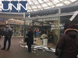 В Киеве на Севастопольской площади снесли МАФы