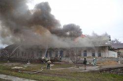 В Одессе загорелись склады на железнодорожной станции