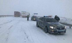 Трасса Киев-Одесса полностью перекрыта из-за снегопада