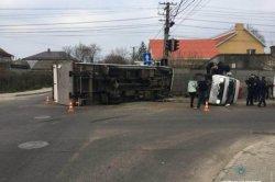 ДТП в Одессе: столкнулись микроавтобус и фура