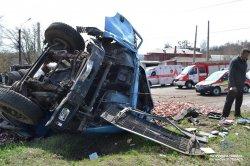 ДТП в Лисичанске: столкнулись МАЗ с маршруткой