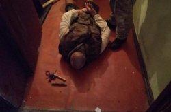 В Киеве спецназ задержал мужчину, который взял в заложники собственных детей