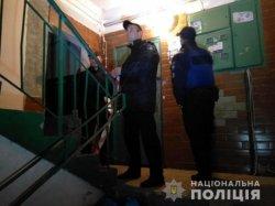 В Киеве в подъезде дома подстрелили мужчину
