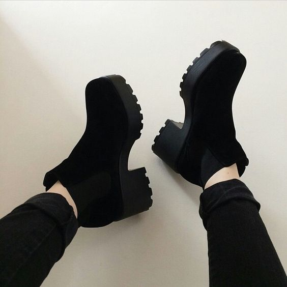 d076266cb0ee Зимние ботинки на каблуке  Скажи