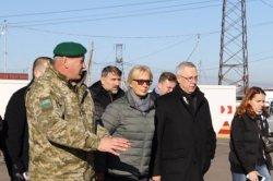 Денисова раскритиковала работу КПВВ на Донбассе