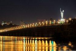 В Киеве на две недели ограничат движение по мосту Патона