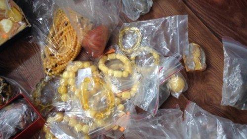 Из подпольного цеха в Одесской области изъяли более 6,5 тонны янтаря