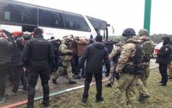 Под Одессой задержали автобусы с вооруженными людьми