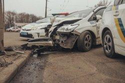 В Киеве авто патрульных попало в ДТП: водитель уснул за рулем