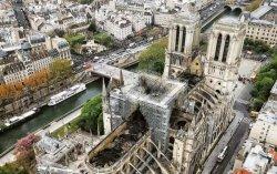 Во Франции сохраняется угроза обрушения частей Нотр-Дама