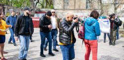 В Одессе депутата Мустафу Найема облили нечистотами