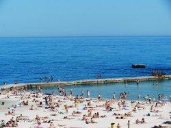 На большинстве пляжей Одессы опасно купаться