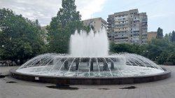 В Одессе вандалы залили самый большой фонтан моющим средством