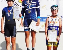 Луганская спортсменка завоевала 2 золотые медали на чемпионате Украины по велоспорту
